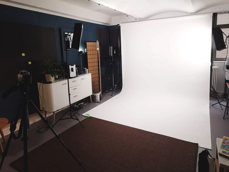 Aufbau Hintergrund für Interview mit Motion Design